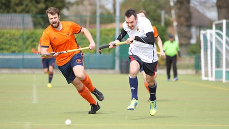 Harpenden HC V East London 11 - Mark Hoefield for Harpenden battles with Michael Crossly for East Lo