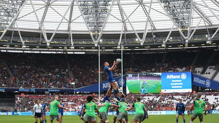 Saracens Nick Isiekwe collects line out ball during the Gallagher Premiership match at The London St