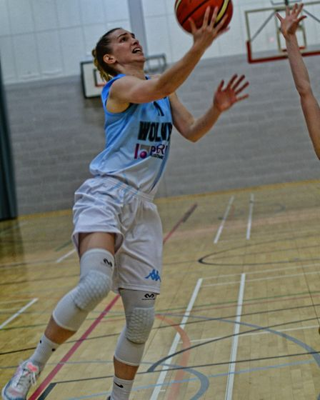 Oaklands Wolves' Lizzy Harrison in action against Caledonia Pride. Picture: LELLO AMETRANO