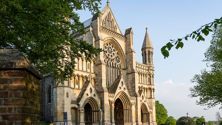 A short commute from London, St.Albans city includes a variety of attractions, including the Cathedr
