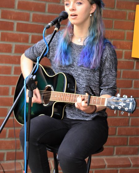 Melbourn Community Showcase 2019: Guitarist Mary De Brugha entertained big crowds during the afterno