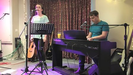 Charlotte Davis and Charlie Arbon performed at The Plough in Shepreth to raise money for Mind in mem