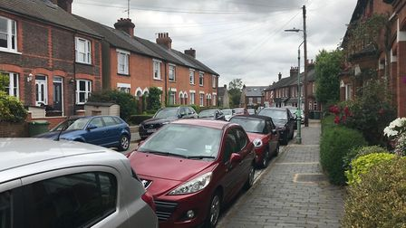 Walton Street is one of a cluster of roads between Sandpit Lane and Sandridge Road containing mostly