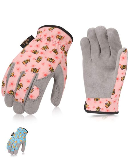 As gardening can be a mucky business it may be wise to invest in a pair of junior gardening gloves,