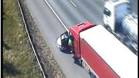A crash on the M1 Southbound between J9 and J10 between a lorry and a car caused the lane to be clos