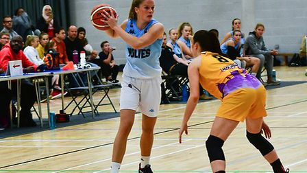 Anneke Schluter in action for Oaklands Wolves against London Lions. Picture: LELLO AMETRANO