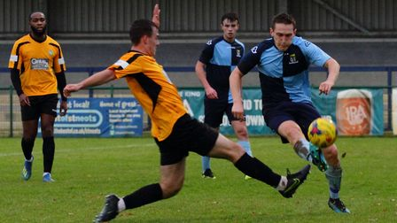 Sam Gomasall on the ball for St Neots Town against Aylesbury United. Picture: DAVID R. W. RICHARDSON