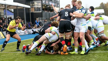 Saracens' Jack Singleton scores their first try during the Heineken Champions Cup pool four match at