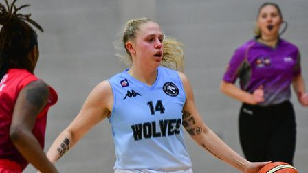 Elyse Kiplocks in action for Oaklands Wolves against Leicester Riders. Picture: LELLO AMETRANO