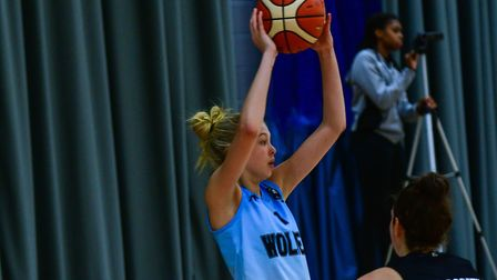 Jocie Leavold in action for Oaklands Wolves in their WBBL game against Newcastle Eagles. Picture: LE