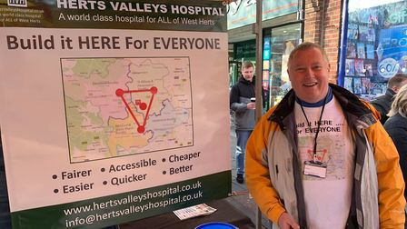 Steve Day from Herts Valleys Hospitals spoke to members of the public at the Christmas market. Pictu