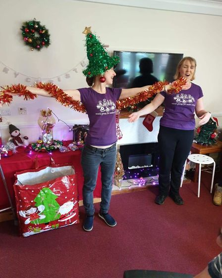 Children from Tick Tock Music in St Albans performed a Christmas pantomime at Fosse House care home.