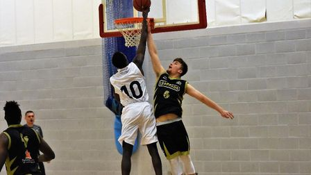 Toby Gastaldi-Davies in action on defence for Essex & Herts Leopards against Loughborough Riders. Pi