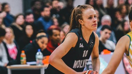 Lauren Milligan in action for Oaklands Wolves against Nottingham Wildcats in the WBBL. Picture: LELL