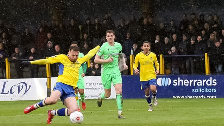 Joe Iaciofano hits the crossbar for St Albans City in their 0-0 National League South draw with Oxfo