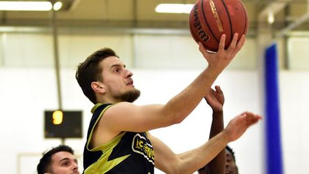 Elvisi Dusha in action for Leopards against Derby Trailblazers. Picture: PAUL PHILLIPS