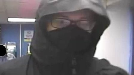 Police would like to identify this person as part of their investigation into a robbery in Kneeswort