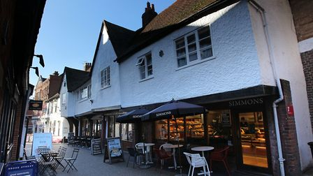 Some restaurants, cafés and pubs in St Albans will be taking part in the government's Eat Out to Hel