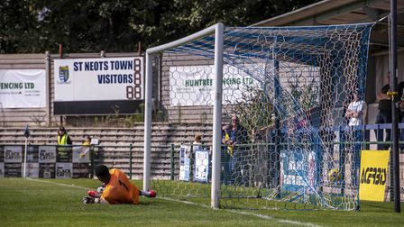 Layne Eadie's penalty was enough as Hitchin Town won 1-0 in a pre-season friendly at St Neots Town.