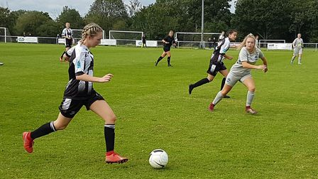 Ella Holmes in action for Colney Heath Ladies in their 2-1 win over Herts Vipers in the extra-prelim