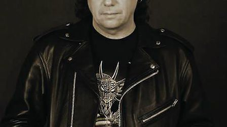 Former Iron Maiden guitarist Dennis Stratton, who played on the first Iron Maiden album, has given h
