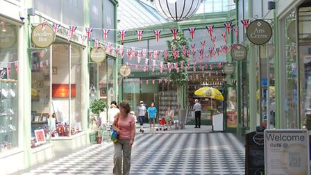 Retailers and businesses will meet next Thursday to discuss plans for a business improvement distric