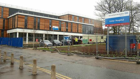 A pressure group has called for answers about the Lister Surgicentre