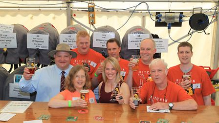 Volunteers and organisers from North Herts CAMRA, Hitchin Round Table and Hitchin Rugby Club