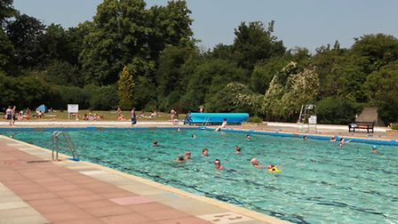 Letchworth outdoor swimming pool