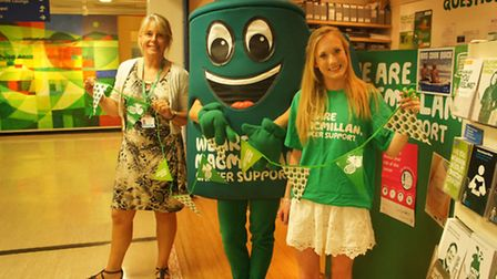Anne Dineen, the Macmillan information support facilitator at the Lister Hospital and Harriet Evans