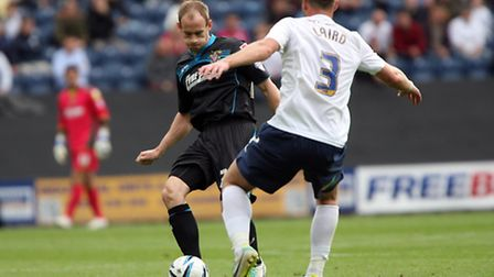David Gray and Scott Laird, both playing against their former teams. Photo: Stuart Bogg Imaging