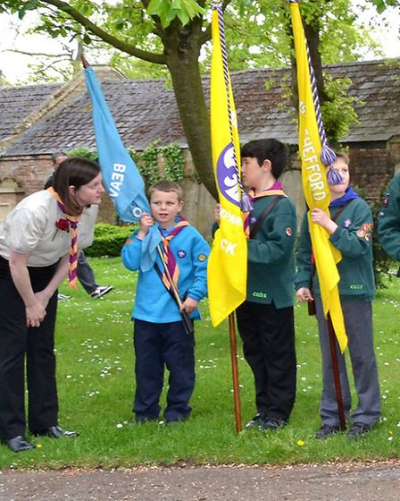Fairfield Park Scouts receive last minute instructions credit: Peter Sutherst