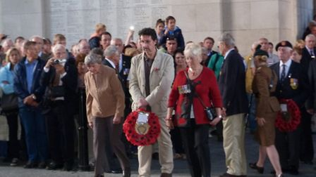 Andy Gibbs Yvonne Limbrick, Jean Handley Laying the wreath