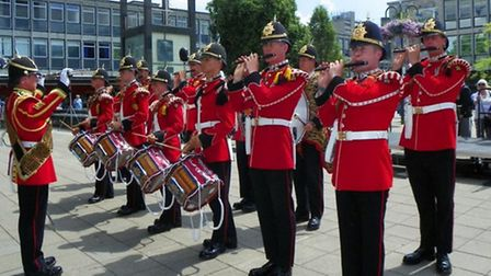 The Royal Anglian Regiment marches through Stevenage. Credit: @anemoneproject