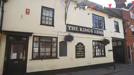 The much-loved Kings Arms in Hitchin is due to reopen 'within 48 hours' if a licence is granted.