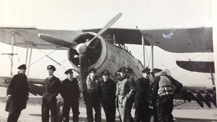 Duncan Harris and his ground crew in front of his Swordfish March 1945.