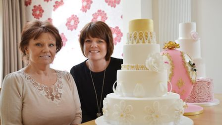 Linda Donnelly & Ceri Badham with their cakes