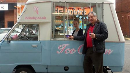 Ice Baby hand out free ice creams provided by hatched.co.uk to a happy Hitchin punter.