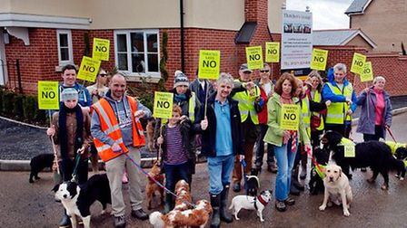 Last weekend Hands Off Thaxted organised another Paws Off Thaxted dog walk, this time visiting some