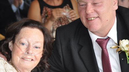 Gaynor Savell and her fiancé Kevin Barnard marry at Garden House Hospice