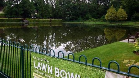 The bowling green at Howard Park and Gardens in Letchworth became a new outdoor swimming pool, accor