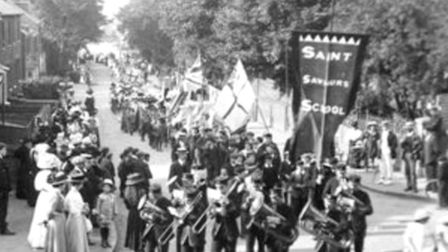 Hitchin Band on parade in 1900