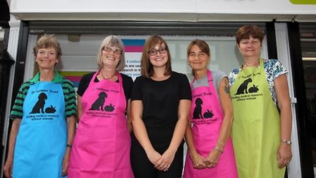 Yvonne Sibbald, Ros Saunders, Naomi Green, (manager), Tracie Hook and Kim Wheeler