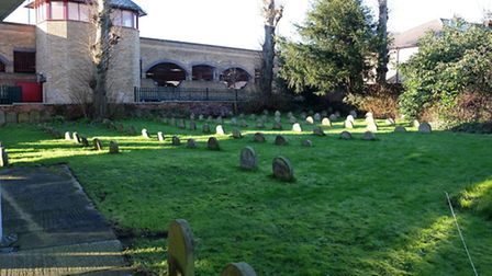 Headstones in the Hitchin Quaker meeting house grounds