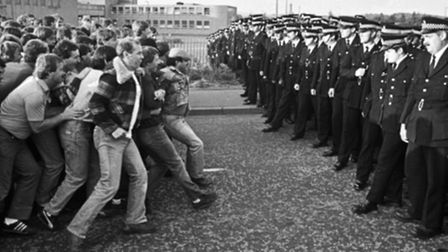 The conflicts during the 1984 miners strike provided a backdrop for the final Charlie Resnick story