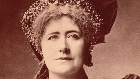 Noted actress Ellen Terry was the mother of Edward Gordon Craig, the theatrical pioneer who gave his