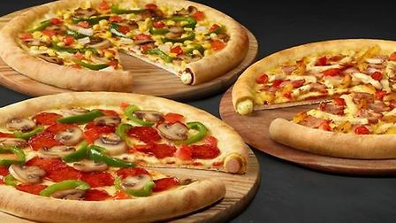 A prolific thief from Stevenage who stole a £127 pizza meal while serving a community sentence has b