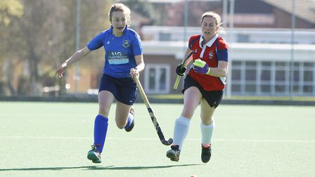 Sarah Baxter in action for the Blueharts. Picture: Karyn Haddon