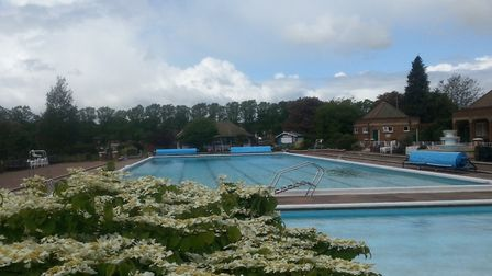 Hitchin outdoor pool.