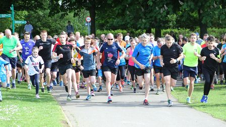 Runners set off on the two-lap course around Stevenage's Fairlands Valley Park. Picture: Karyn Haddo